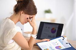 月経前症候群? 生理前に微熱が出る人の健康状態をチェック!