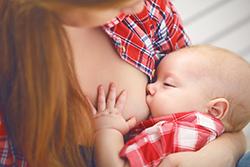 「母乳で育てたい」なら年子は難しい?