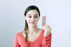 ピルをやめてからどれくらいで月経は復活する?