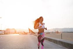 夏・暑い季節にオススメのスポーツで「強い身体」を作ろう!